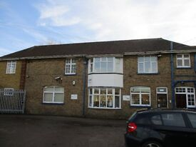 First floor industrial unit to let 1,094 sq ft, suitable as office/studio/storage and distribution