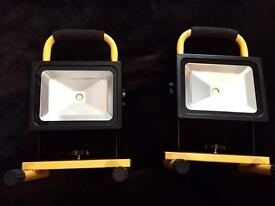 2 Rechargeable LEDS lights