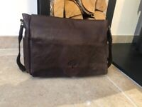 MENS LEATHER DESIGNER BRIEFCASE/MAILBAG