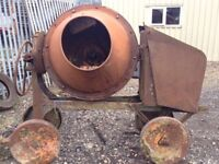 Auction Saturday 9th Sept Cement Mixer