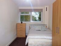 Great Location! Double Room Available in Old Street N1 *All bills inc + Wifi Access*