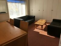 2 Bedroom 1st Floor Flat in central location available immediately!