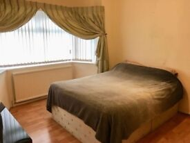 Double Bedroom Spacious Available 30th May-Old Trafford