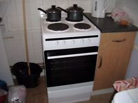 Amica Electric Cooker, hardly ever used, only a few weeks old, still like brand new...