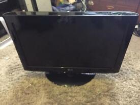 26 inch LG tv very good condition comes with the remote call or text for more information