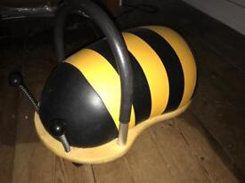 Wheels bug ride on toy - buzzy bee
