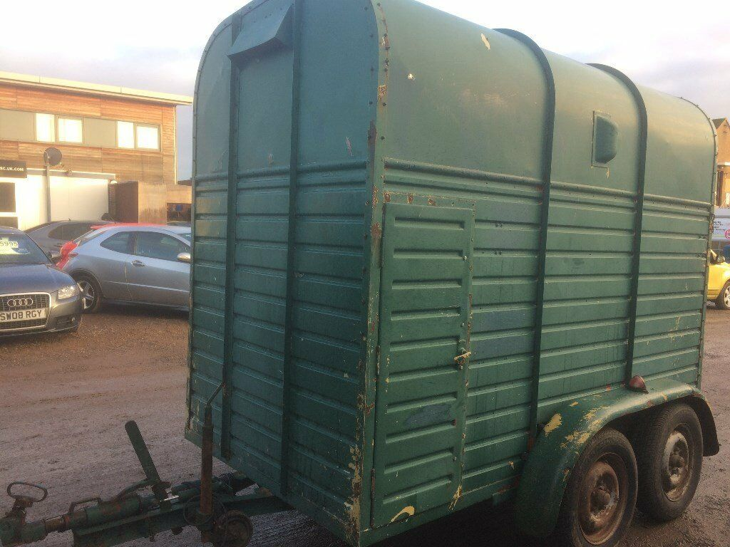 Horse box trailer 9 x 5 Rice Twin axle Two horse trailer . Good working order