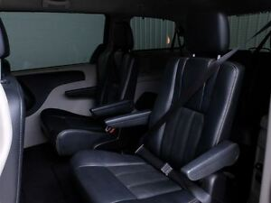 2014 Chrysler Town & Country TOURING A/C MAGS CUIR West Island Greater Montréal image 18