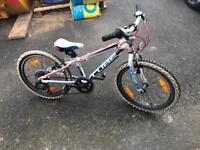 Kids cube 200 bike