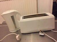 White Kettle & Toaster set