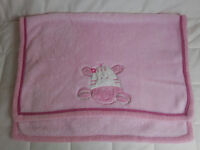 Warm fleece baby/cot/toddler blanket - NEW