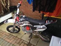 Demon xlr 140 pit bike/ lots of upgrades/ 2015/ crf70/ stomp racing/ mint