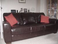 LARGE BROWN LEATHER SOFA NEARLY NEW