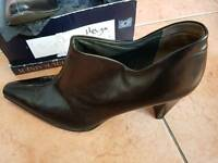 Peter Kaiser shoes size 5.5 (helga)