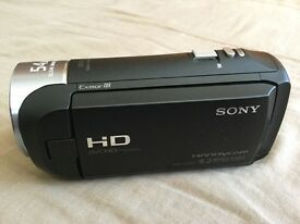 Sony HDR-CX240E / HDR-CX240 Full HD Camcorder with 16GB SanDisk Extreme SD Card