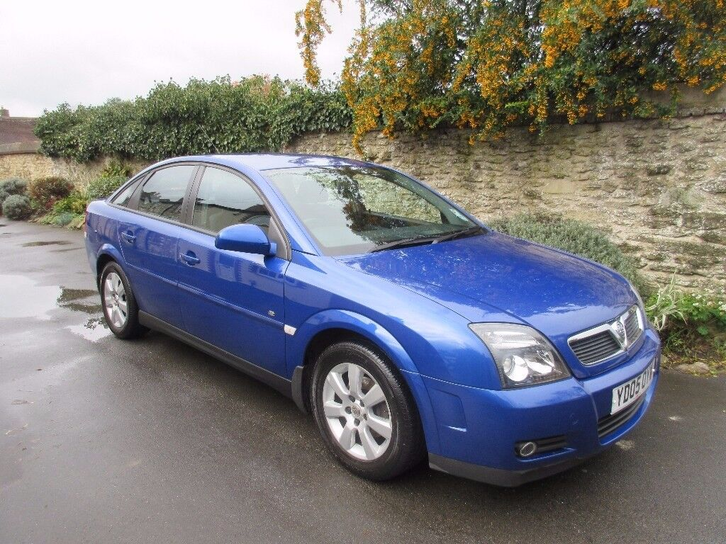 VAUXHALL VECTRA 1.8 BREEZE 2005 DRIVES LIKE NEW LOOK AT THE MILEAGE.