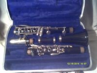 SELMER BUNDY B flat CLARINET , MADE in the U.S.A. COMES in the BUNDY GREEN CASE +++