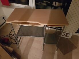 Perfect condition computer desk/table