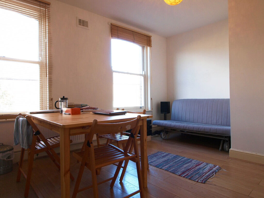 Lovely Open Plan 1 Double Bedroom Flat very Close to Marylebone Tube Station and Regents Park
