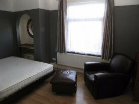 One Bedroom Flat / Apartment available for rent, High Lane Village, Stockport - Ground floor