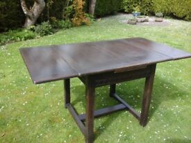 Dining room table - extending