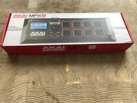 AKAI Professional MPX8 Portable Sample Pad Controller