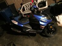 125cc moped runs and rides