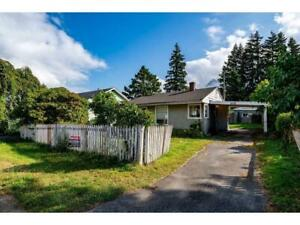 661 HEMLOCK AVENUE Hope, British Columbia