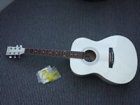 WHITE ACOUSTIC GUITAR WITH CARRY CASE AND SPARE STRINGS IN VERY GOOD CONDITION