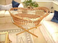 Wicker crib with stand