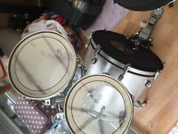 OMG! #Reduced AGAIN! Now ONLY £125 ono! Sonix drum kit