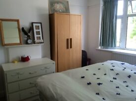 ***Fabulous spacious double Room-Full Furnished-All Bills Inc-Wifi-Garden***
