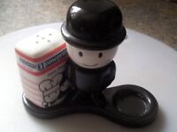 incomplete 1973 Homepride flour grader salt & pepper, with only the pepper pot