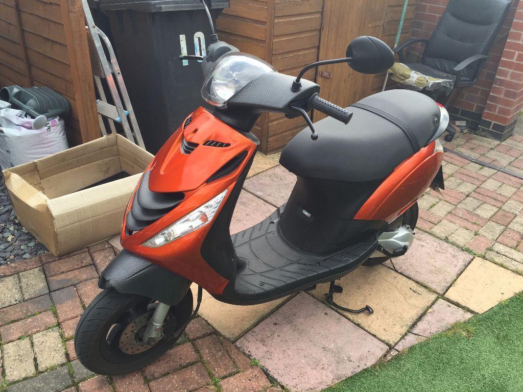 50cc piaggio zip in orange and carbon   in stapleford