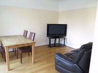 A Spacious Double Room in Arnos Grove Close to the Underground Station