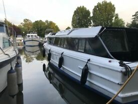 Widebeam, Houseboat, Canal boat, live aboard, Cabin cruiser £35,000ono + Mooring (Not Narrowboat)