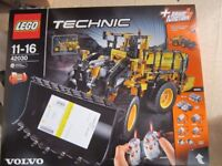 LEGO TECHNIC VOLVO FRONT LOADER ,NEW
