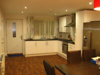 Single ROOM TO LET IN NEW MODERN HOUSE FALLOWFIELD, ALL Bills Included