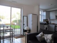2 furnished doubles in professional house share