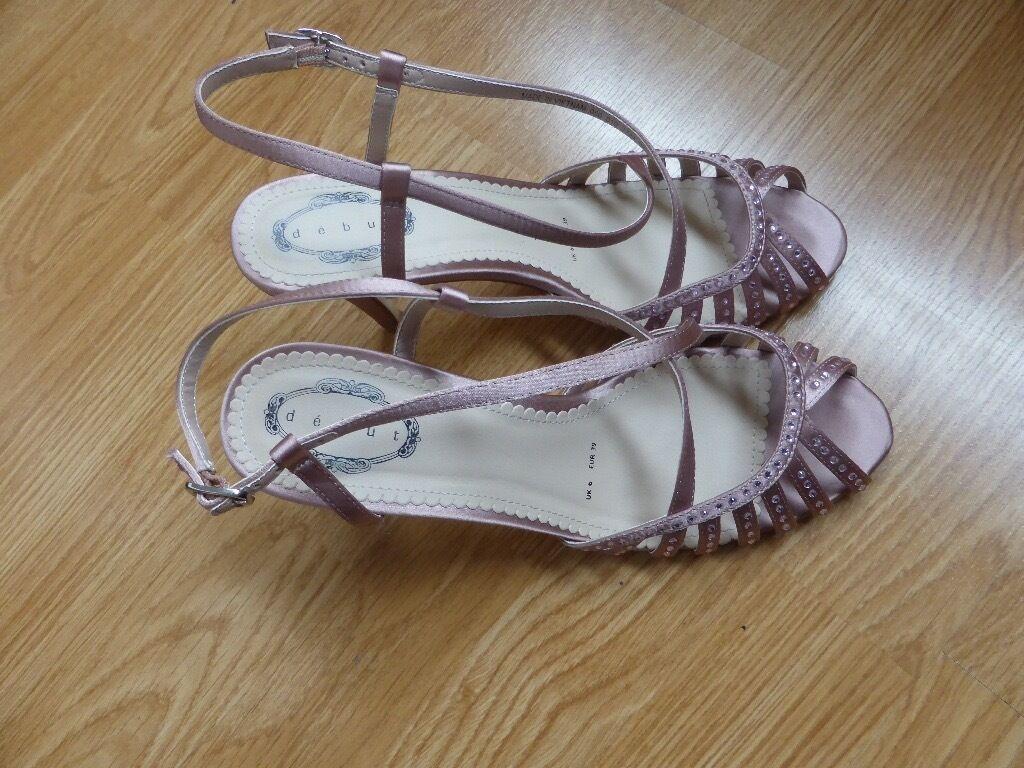 DEBENHAMS DEBUT PINK HEELED SANDALS SIZE 6/3915in Morden, LondonGumtree - Fabulous, sparkly, heeled sandals. Size 6/39 3½ heel. Worn twice, good condition