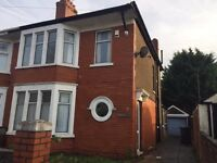 Large Three Bedroom House in Heath Available Now. £900pcm