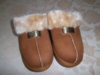Brand New Excellent Condition Ladies UGG Slipper Mules Unboxed.