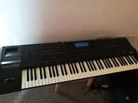 Cool G800 Roland Synthesizer Keyboard.