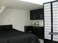 Studio flat in Pond Road, Woking, GU22 (#1203917)