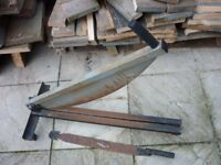 Slate guillotine and roofers slate rip