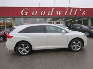 2012 Toyota Venza LE! HEATED LEATHER SEATS! BLUETOOTH!