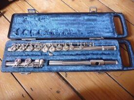 Flute for sale - Yamaha YFL-21N - Nickel-plated beginner / student flute
