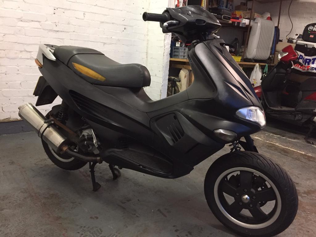 2001 Gilera Runner VX 125cc learner legal 125 cc scooter. Sold spares or  repairs.