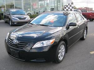 2008 Toyota Camry LE with Leather Beautiful Low Mileage Camry
