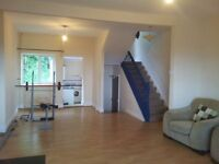 2 Bed Maisonette , Swansea central